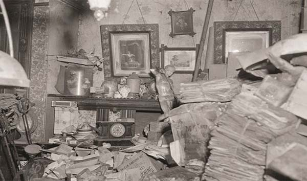 13.) Starving in your own house that you were stuck in because you were a hoarder (Homer Collyer in 1947).